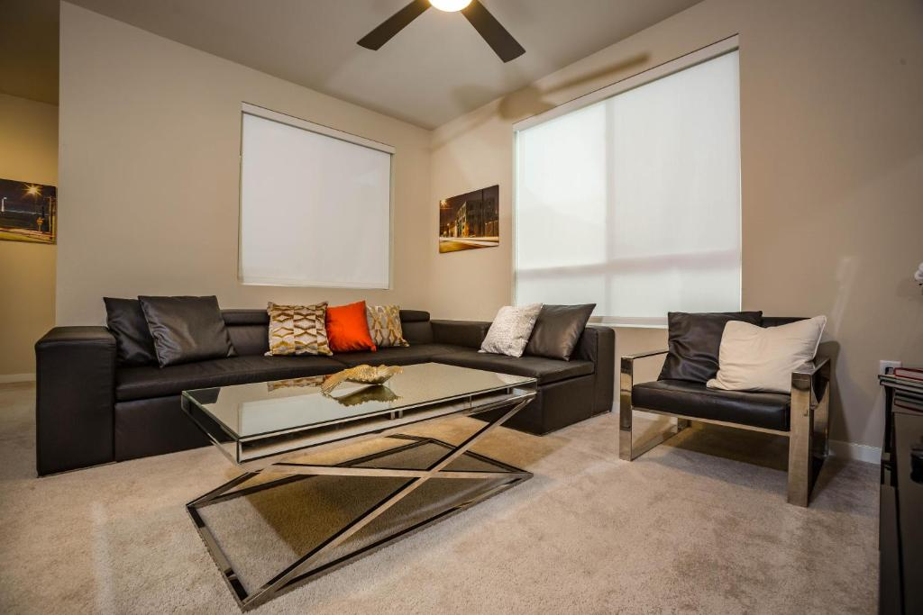 Modern 2 Bedroom Resort USA Los Angeles
