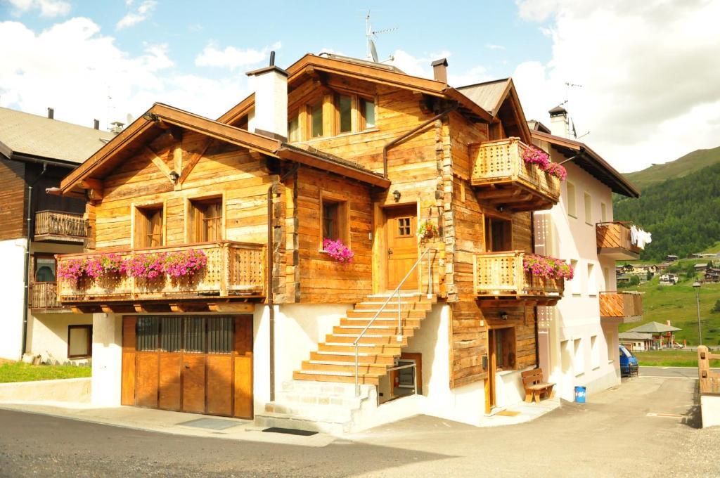 Armonia livigno appartamenti for Appartamenti livigno