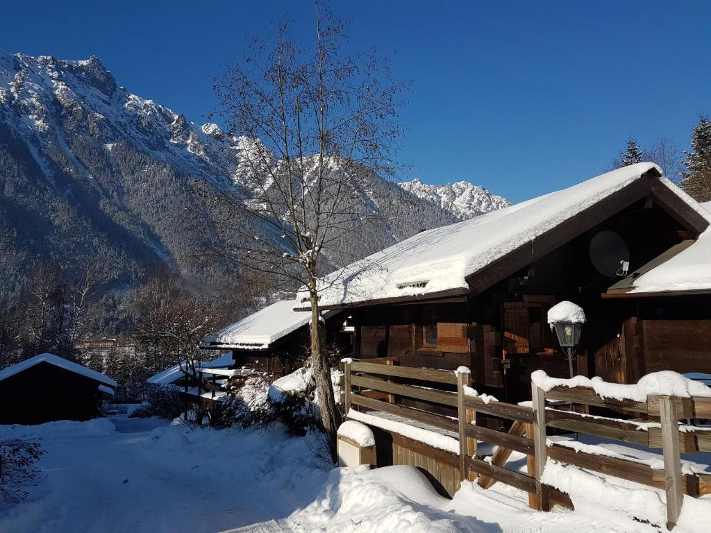 Chalet de l armanaz marriage boot