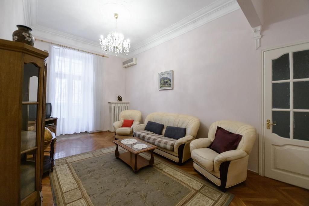 KievAccommodation Apartment on Kruglouniversitetsk, Киев, Украина