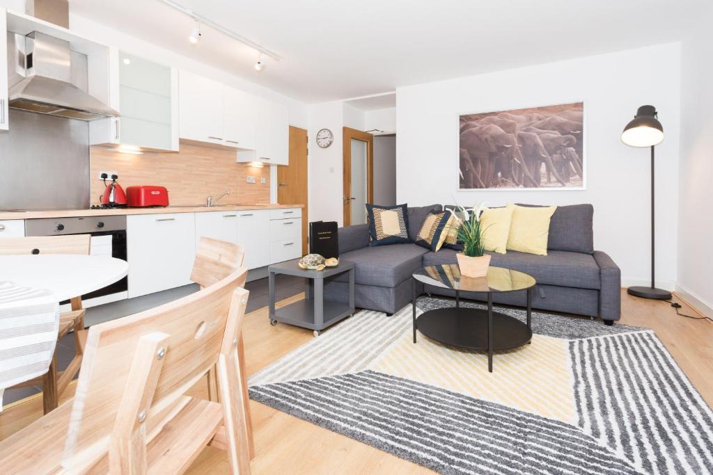 Luxury rental dublin leeson close for Appart hotel dublin