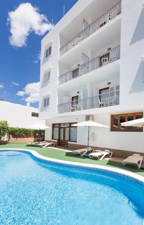 Hotel sofia playa ibiza spanien es cana - Apartamentos sofia playa ibiza ...
