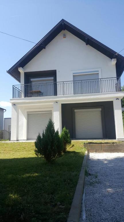 Villa Bella, Доглоди, Босния и Герцеговина