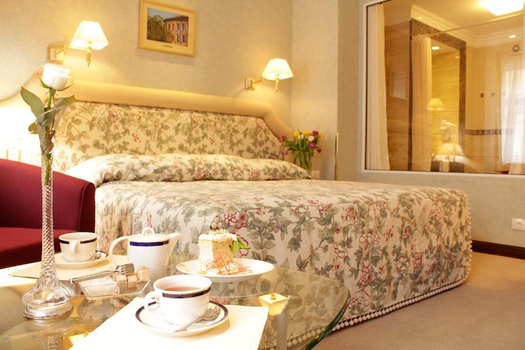 Отель Швейцарский, Львов, Украина