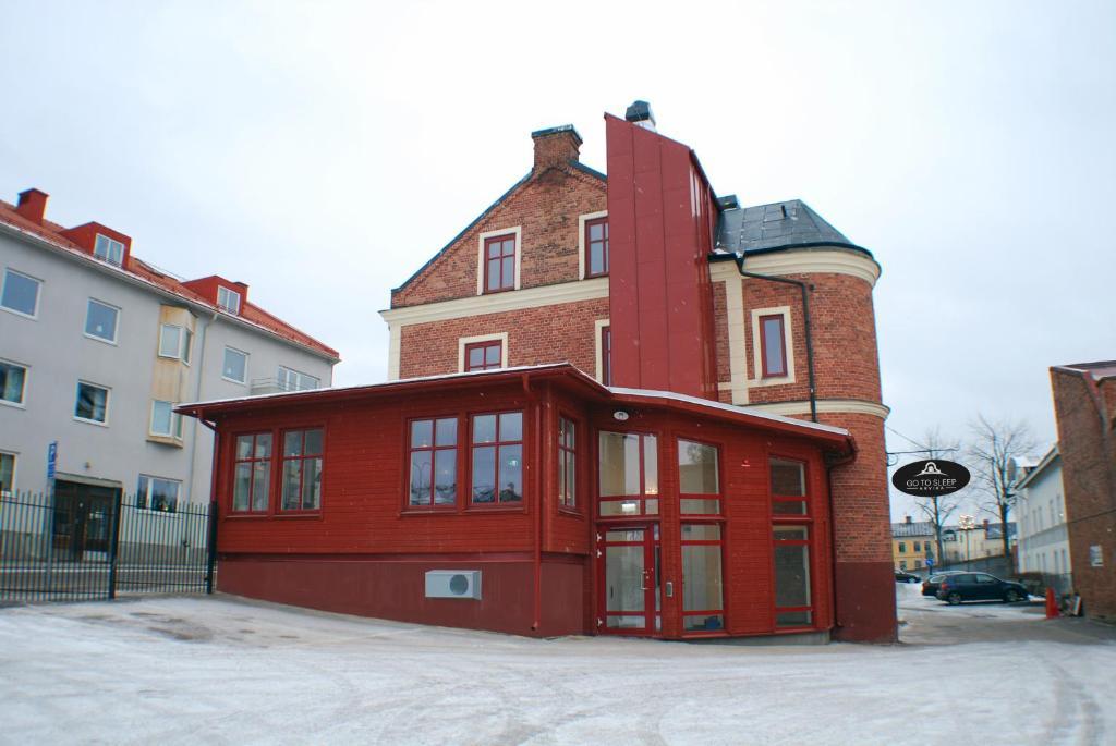 arvika chatrooms Edgtrailer, delson 84 likes vente de pièces et accessoires de remorque servant à la fabrication , la réparation ou l'entretien.
