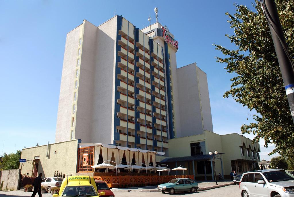 Отель 7 Дней, Каменец-Подольский, Украина