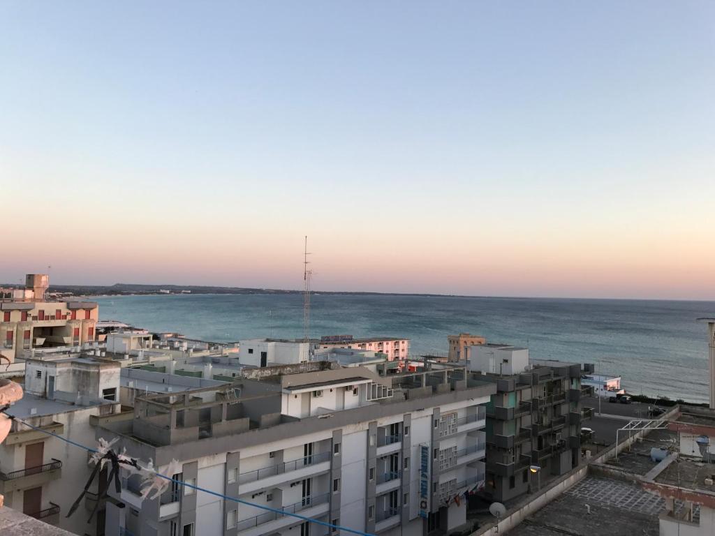 Appartamento in riva al mare italia gallipoli - La finestra sul mare gallipoli ...