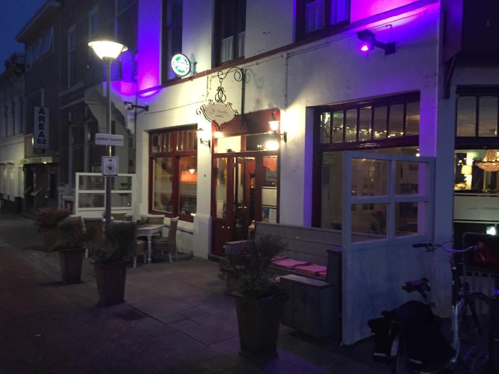 Café pension The Chandelier, Берген-оп-Зом, Нидерланды