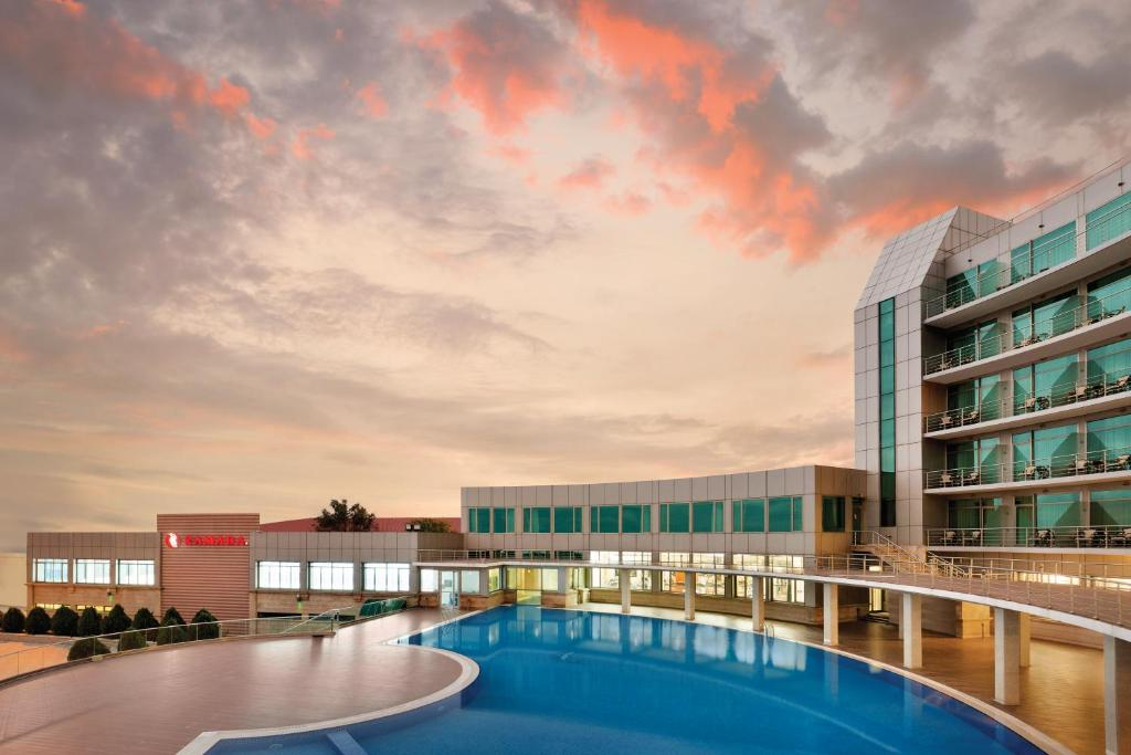 Отель Рамада Баку, Азербайджан