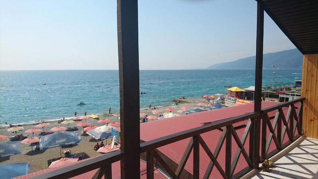Мини-гостиница Три Кипариса на Терешкова, Гагра, Абхазия
