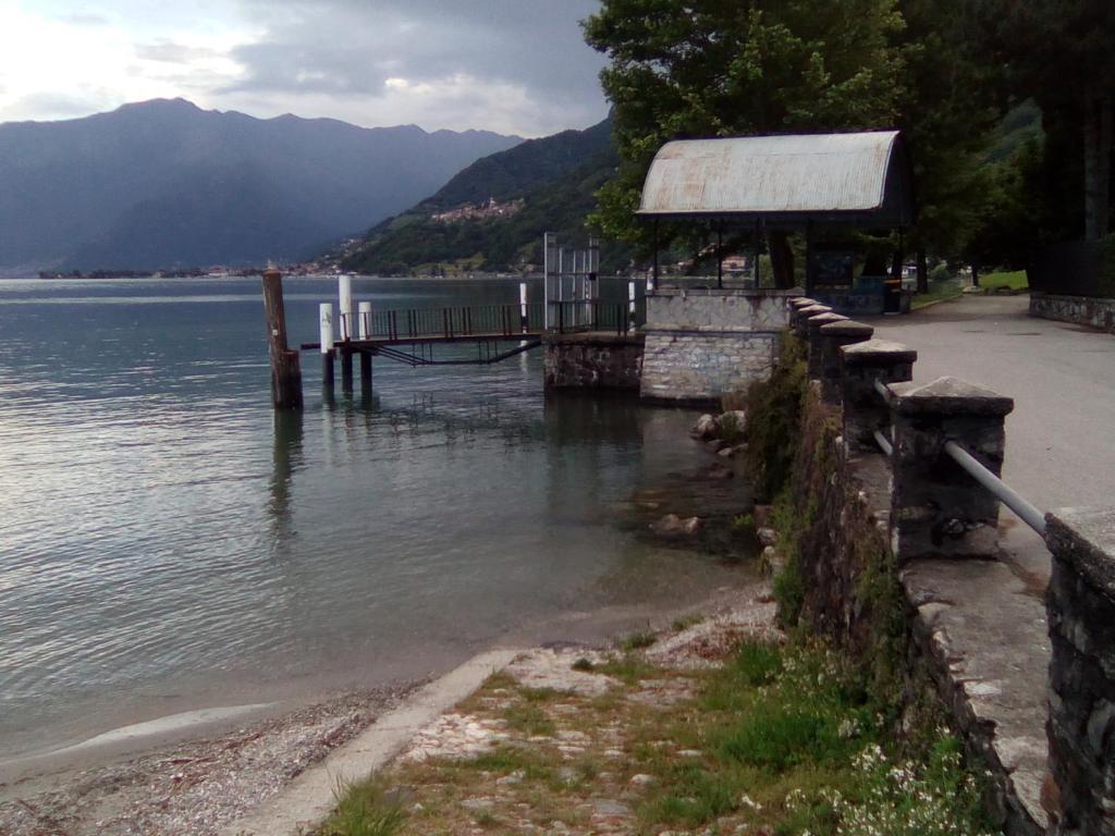 Appartamento sul lago di como gera lario c p nh t gi for Appartamento sul lago
