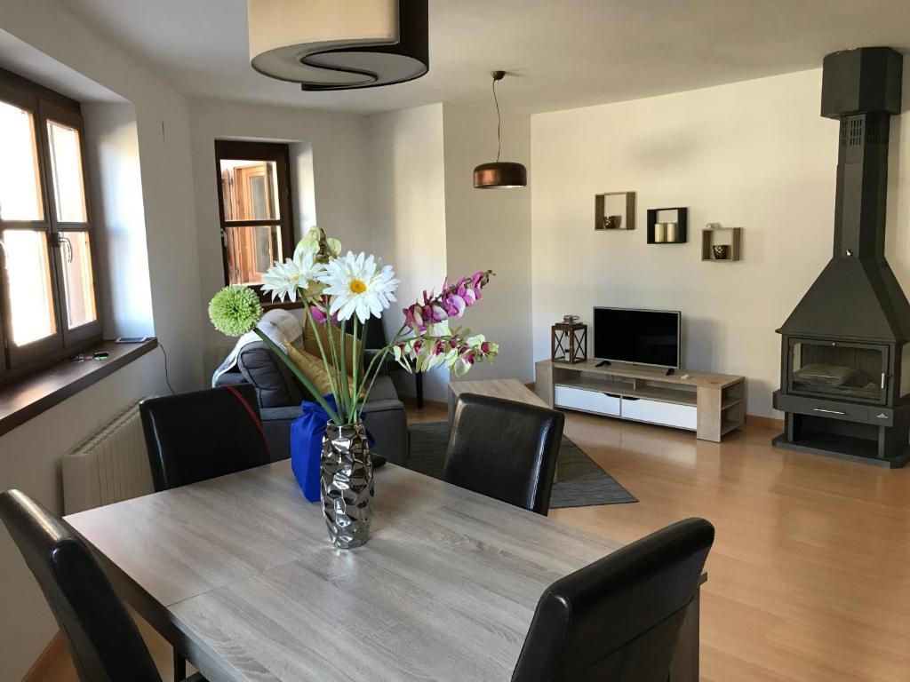 Apartamento en benasque apartamento en benasque for Booking benasque