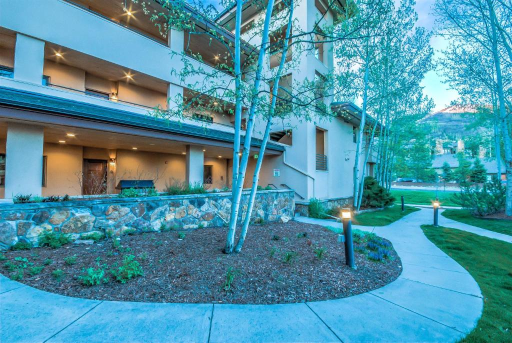 Canyon creek a105 steamboat springs m for 2720 hotel terrace drive