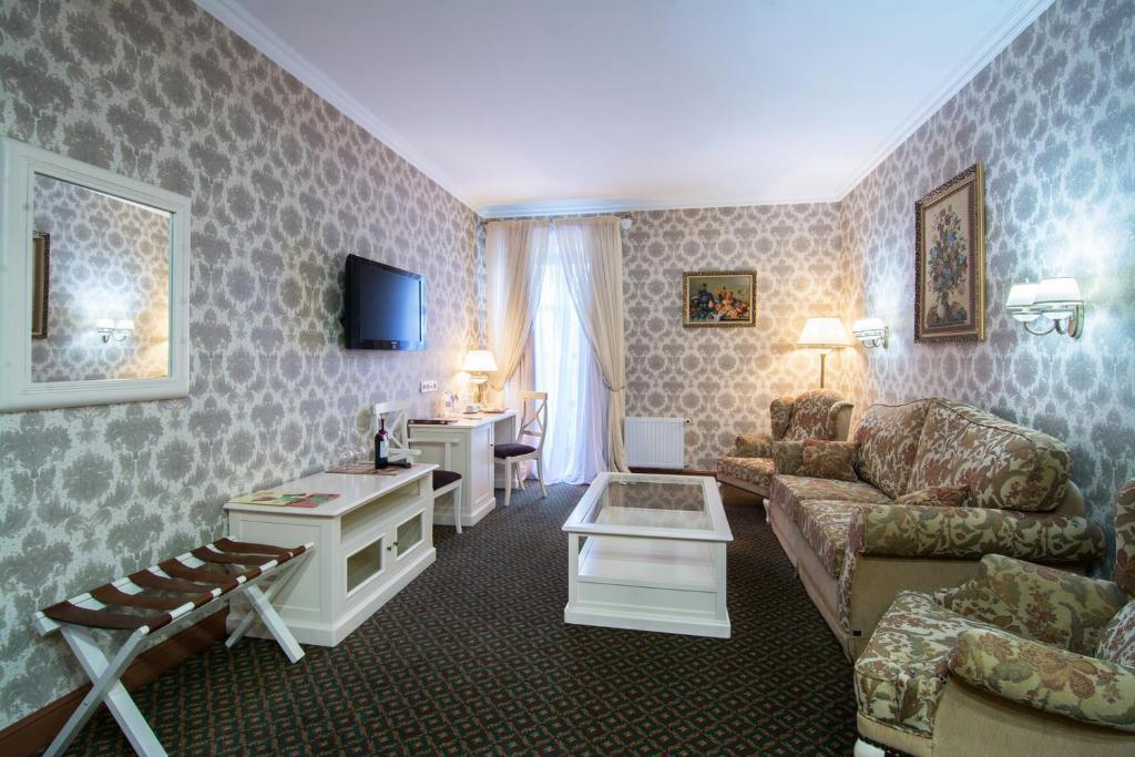 Отель Reikartz Каменец-Подольский, Украина