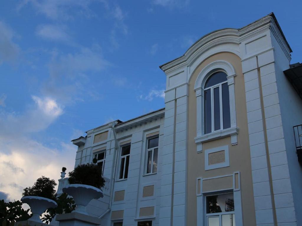 Мини-гостиница Дом купца Шапошникова, Сухум, Абхазия