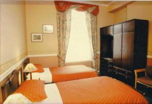 The Bedrooms at Murrayfield Park Guest House