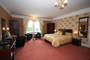 The Bedrooms at Fife Lodge Hotel