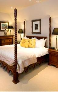 The Bedrooms at The Lion Inn