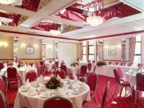 The Bedrooms at Best Western Mount Sorrel Hotel