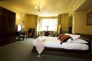 The Bedrooms at Talbot Hotel