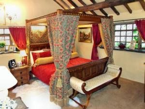 Wizards Thatch Luxury Suites