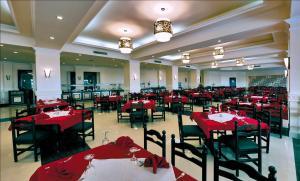 Aida Beach Hotel - Image2