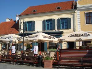 Hotel Portré - Image1