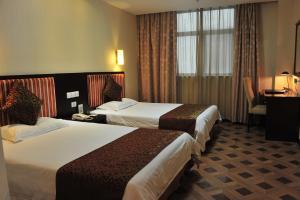Elegance Bund Hotel - Image4
