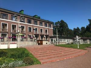 President Hotel - Image1