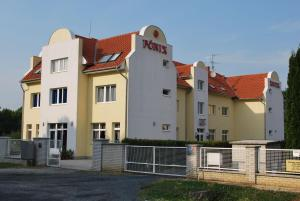 Főnix Hotel - Image1