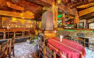 Family Hotel Bunara - Image2