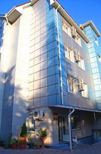 Rus Hotel - Image1