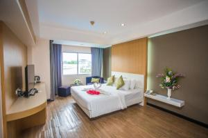 New Travel Lodge Hotel - Image3