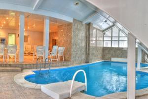 Ozon Grand Hotel - Image4