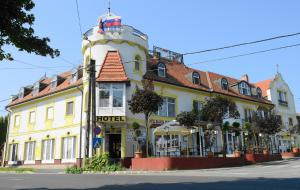 Hotel Balaton - Image1