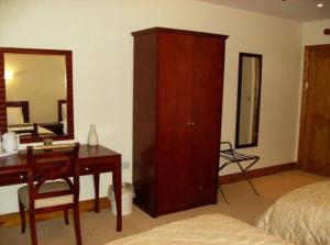 The Bedrooms at The Hollybrook Country Inn