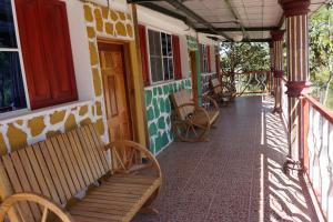 Hotel y Restaurante Las Margaritas - Image2
