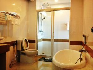 SinKiat Buri Hotel - Image4