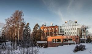 Polar Hotel - Image1