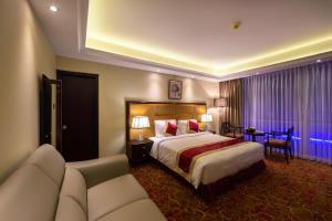 Grand palace Hotel and Resort - Image3