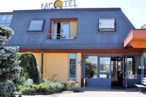 Hotel Lacotel - Image1