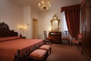A room at the  Hotel La Residenza in Venice, Italy