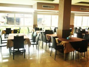 SinKiat Buri Hotel - Image2