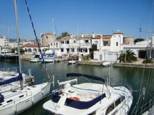 Holiday Home Salins Empuriabrava