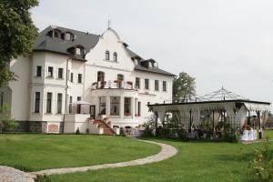 Hotel Usadba - Image1