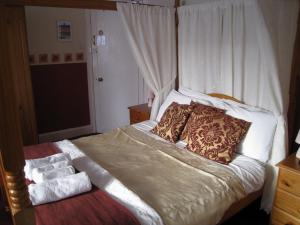 The Bedrooms at Clovelly Guest House
