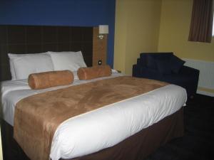 The Bedrooms at Ramada Loughborough Hotel