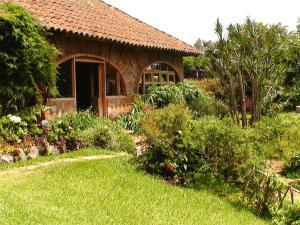 Hotel y Restaurante Las Cabañas de Apaneca - Image1