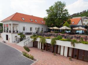 Zenit Hotel Vendégház - Image1