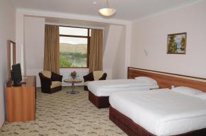 River Side Hotel - Image2